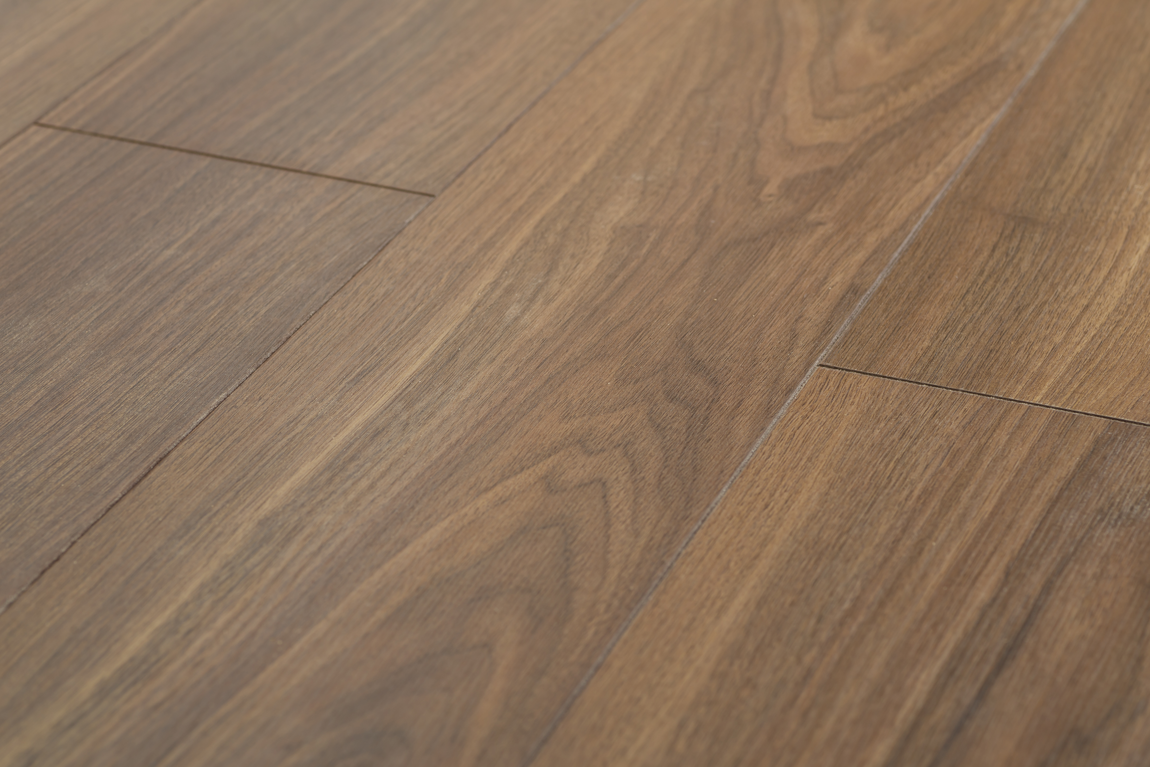 Ламинат Linea Platinum Indian Walnut